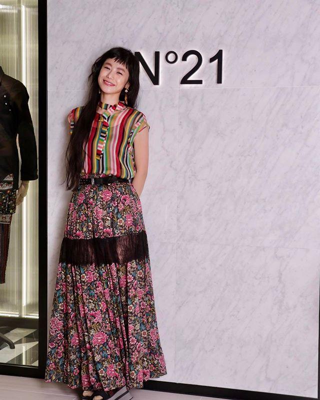 ginza sixへ🏙銀座の新しいシンボルになりそうな予感💭4/20 open!! おめでとうございますTops/skirts/belt... @n21_official .#n21 #no21 #n21ginzasix#izumisfashion #today #fashion