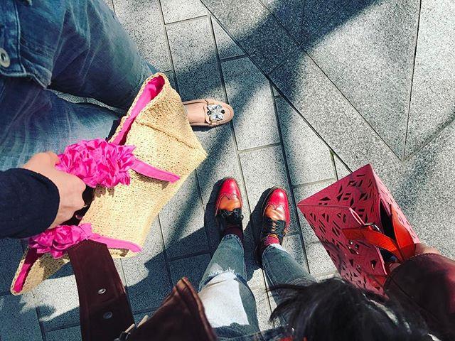 おねえちゃんとデートの日ファッションまでなんか似てる笑#denim #bag #shoes #sister