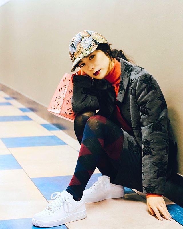 私服は柄×柄ばかりやってしまう🖤@ellegirl_jp @nike #IZUMIsfashion #しふく#nike#ellegirl#kenzo