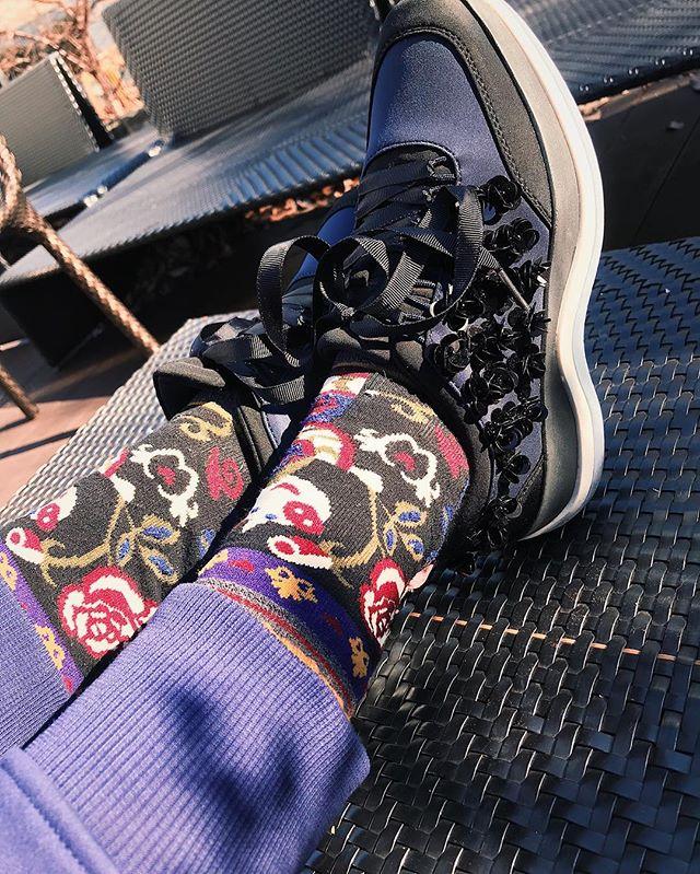 .pants... @uniqlo socks...ALBEROBELLOshoes... @zara 裏起毛のパンツは、パジャマに着たいと思って買ったけど、あまりの暖かさに私服に使っちゃった🧕🏼みんな風邪引かないように、ね!#izumisfashion #zara#uniqlo #ALBEROBELLO