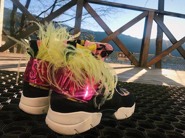 新年のスタートには、@msgm のお気に入りスニーカーを下ろしました#izumisfashion #msgm #sneakers
