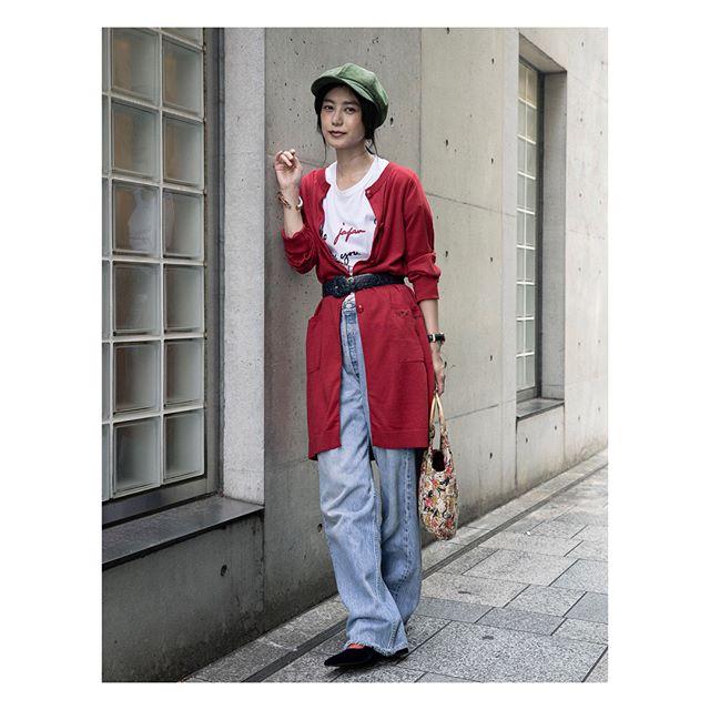 .@tob_by_agnesb の新作(ニットカーディガン & メッセージTシャツ)で秋を意識した私服mixコーデカーディガンは肩を少し落としてオーバーサイズっぽく着るのが今の気分かなぁ。上のボタンを数個とめて、ロングスカートと合わせてAラインを作るのも可愛いかも。.#tobbyagnesb #pr #トゥービーバイアニエスベー