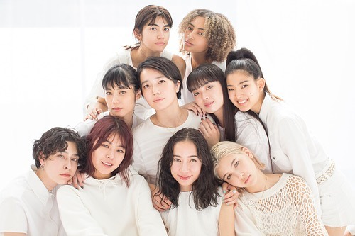 @ellegirl_jp uni ︎個性溢れる可愛いみんなと!♡movie も完成したのでぜひ @ellegirl_jp online で🤗♡カメラマンさんと、CDデビューですか?とか言いながらの撮影はとっても楽しかったよ🤗♡#ellegirl #ellegirlonline #girls