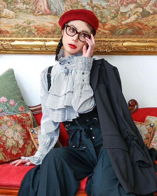 2020年一発目のお仕事は@ozzonjapan 🖤眼鏡だけ私物ですこのコーデかわいかった😙︎#ozzon #ozzonjapan #fashion