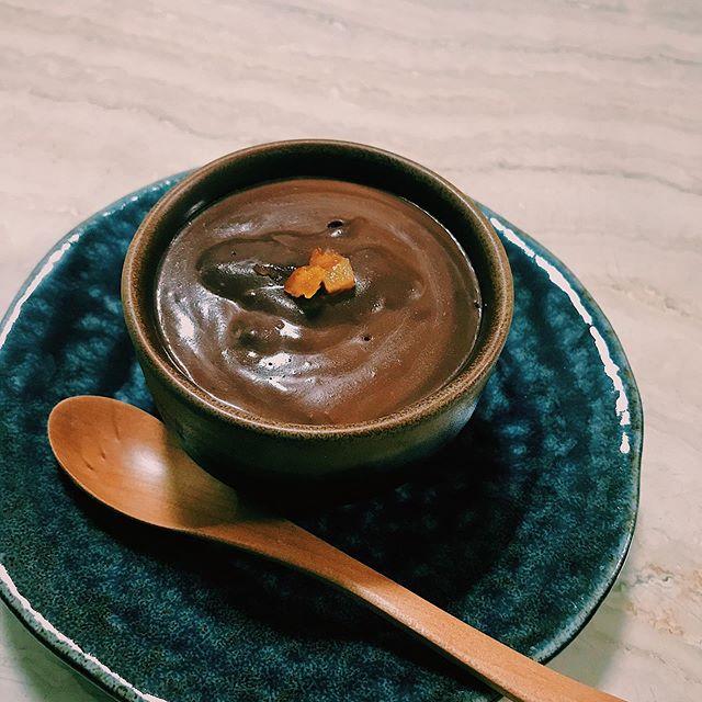 :)本日は、@ginzamagazine の大人スイーツレシピを参考にプディング・オ・ショコラを作りました♡なめらかで甘すぎず、食後にピッタリ◎スイーツってバレンタインの時期くらいしかあんまり作らなかったけど、これまたすっかりハマりました。笑みんなのオススメのレシピあったら、ぜひおしえてください♡♡♡作ってみたいなー♡#sweets
